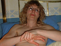 Gallery of uploaded nude pics of a real amateur wife