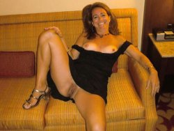 WifeBucket Pics | Aged housewife in a black dress forgot to wear panties