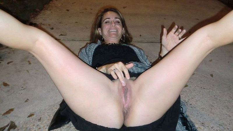 wives nude on street