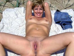 Collection of naked photos of MILFs, older wives, and moms