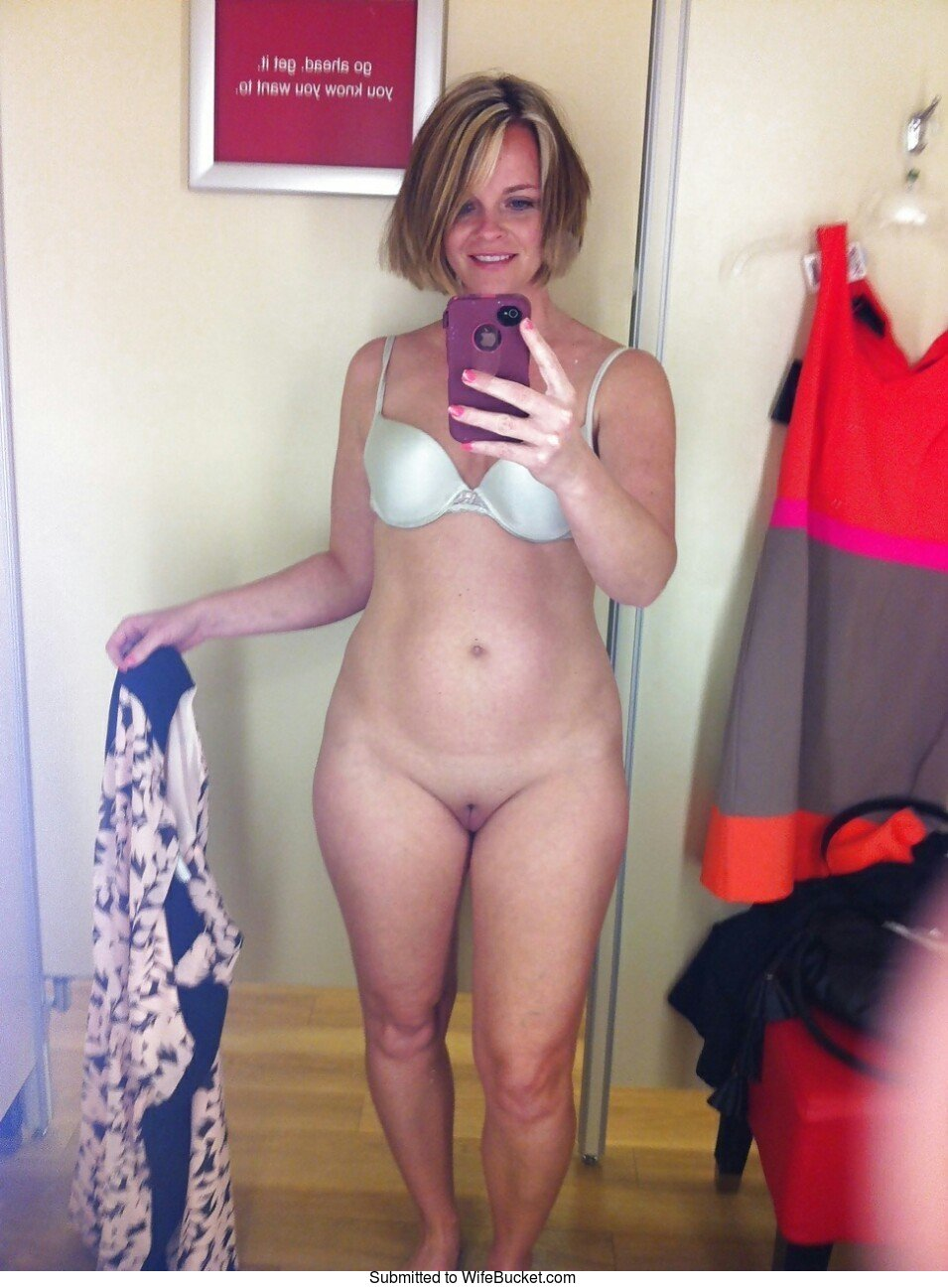 Wifebucket  Naked Selfies And Mirror Nudes From Real -5432