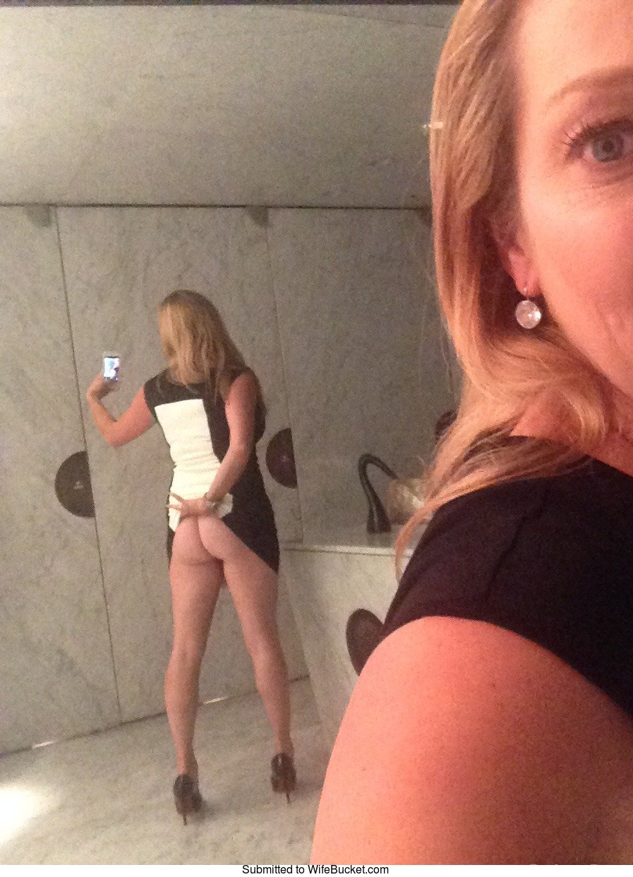 Wifebucket  Nude Selfies, Mirror Nudes, Sexting Pics-1766
