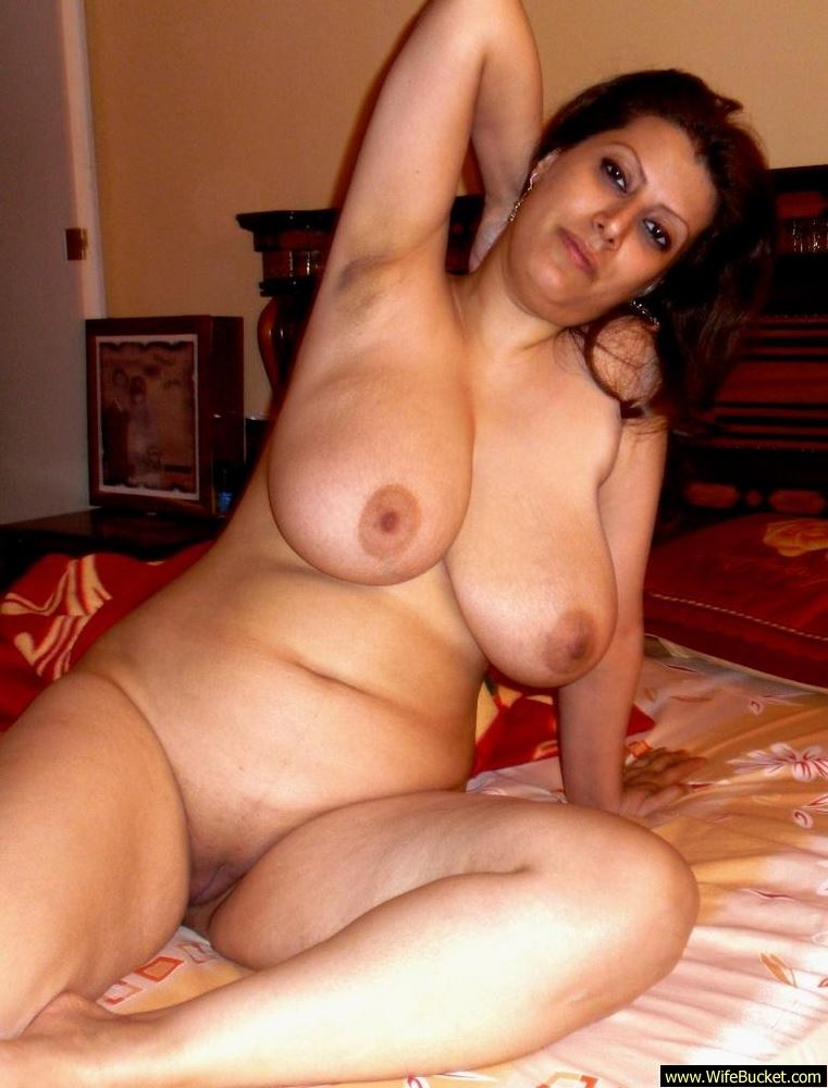 Wifebucket  Nude Pics Of A Muslim Wife From Morocco-7553