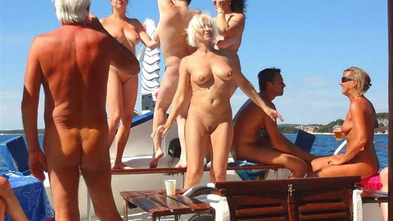Amateur orgy on the yacht
