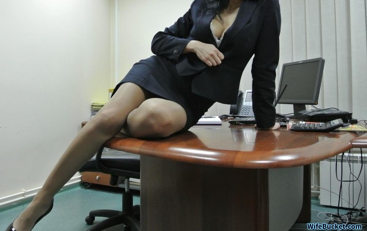 Office MILF nudes