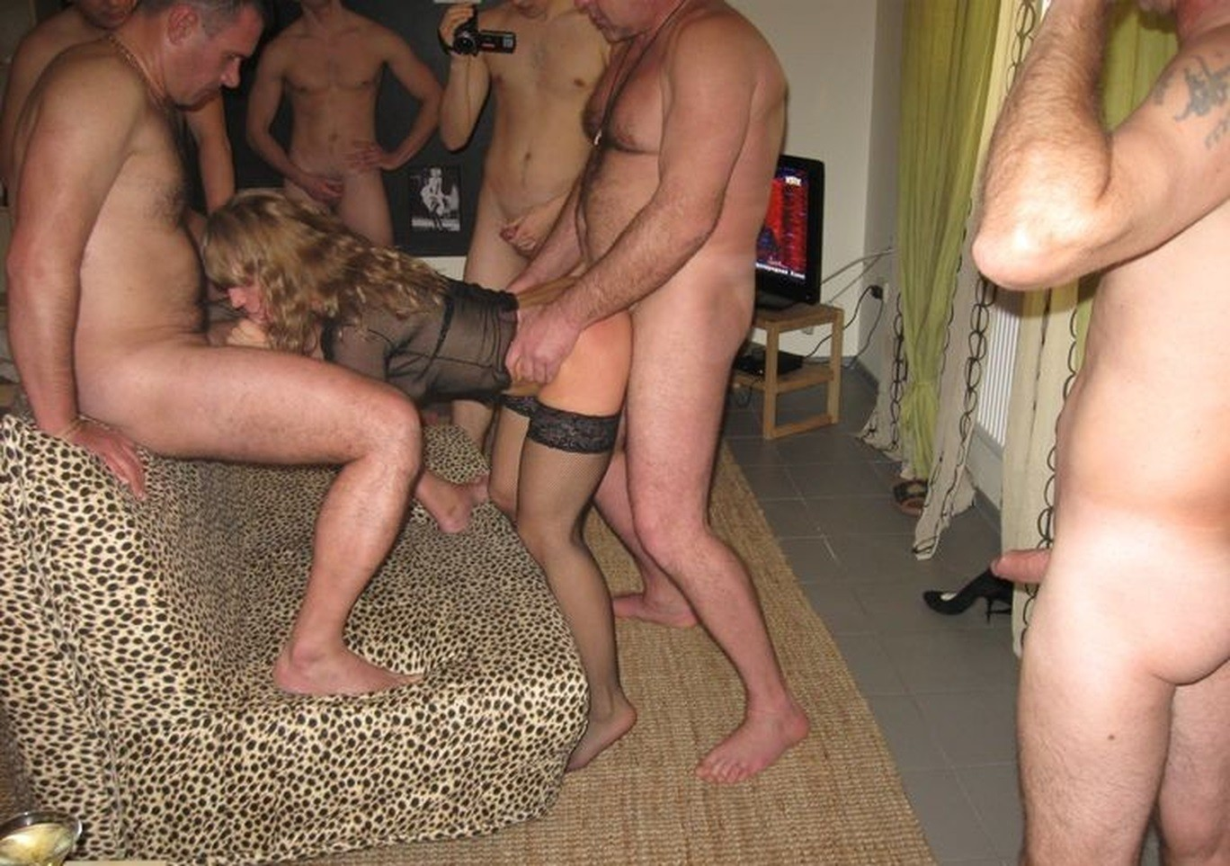 Naked Amateur Wife In Gangbang