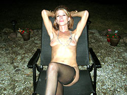 WifeBucket Pics | Cheating wife naked outdoor