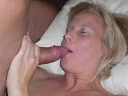 Amateur threesome pics with a real MILF