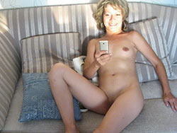 Naked selfie from a real MILF wife