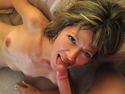Older MILF gives a blowjob