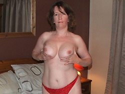 Hot nudes of a real wife over 40