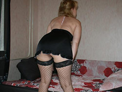 Homemade gangbang for a submissive amateur wife