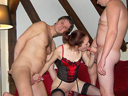 Amateur wife in MMF threesome