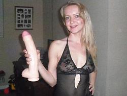 Hot MILF fucking big dildos