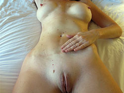 Nude amateure hot wife selfie