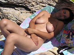 MILF wife gets nude on the beach