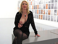 Older amateur wife flashing tits in public