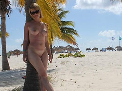 Amateur wife nude on the beach
