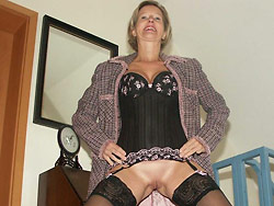 Homemade nude pics of a real mature woman