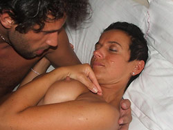 Cuck's wife in a homemade threesome