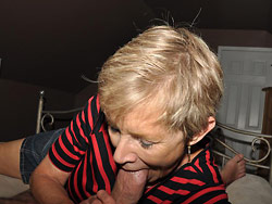 Older amateur wife gives great head