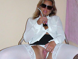 Home-made nudes of a real wife over 40