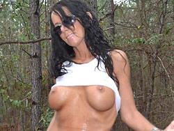 MILF nude outdoor