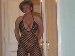 Mature woman porno pics