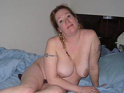 BBW wife naked in bed