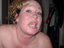 Facial cumshot for a hot MILF slut