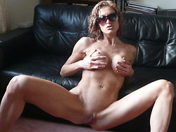 Homemade porn pics with a hot French MILF
