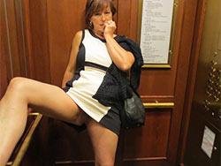 Sex pics of a mature cuckolding wife