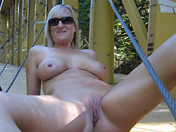Naked photos of a hot mature wife