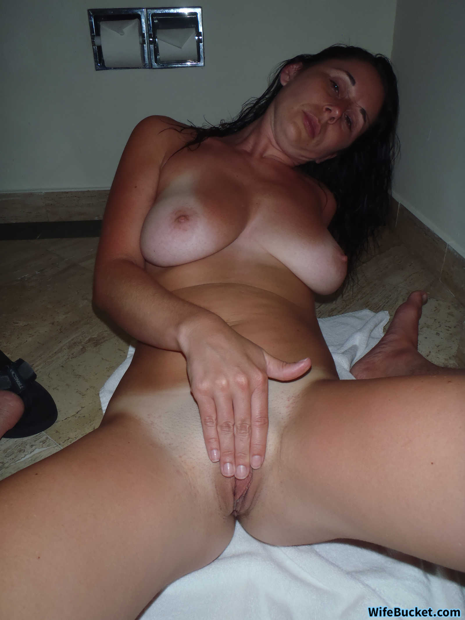 Wifebucket  Rich Wife First Ever Homemade Nudes-8143