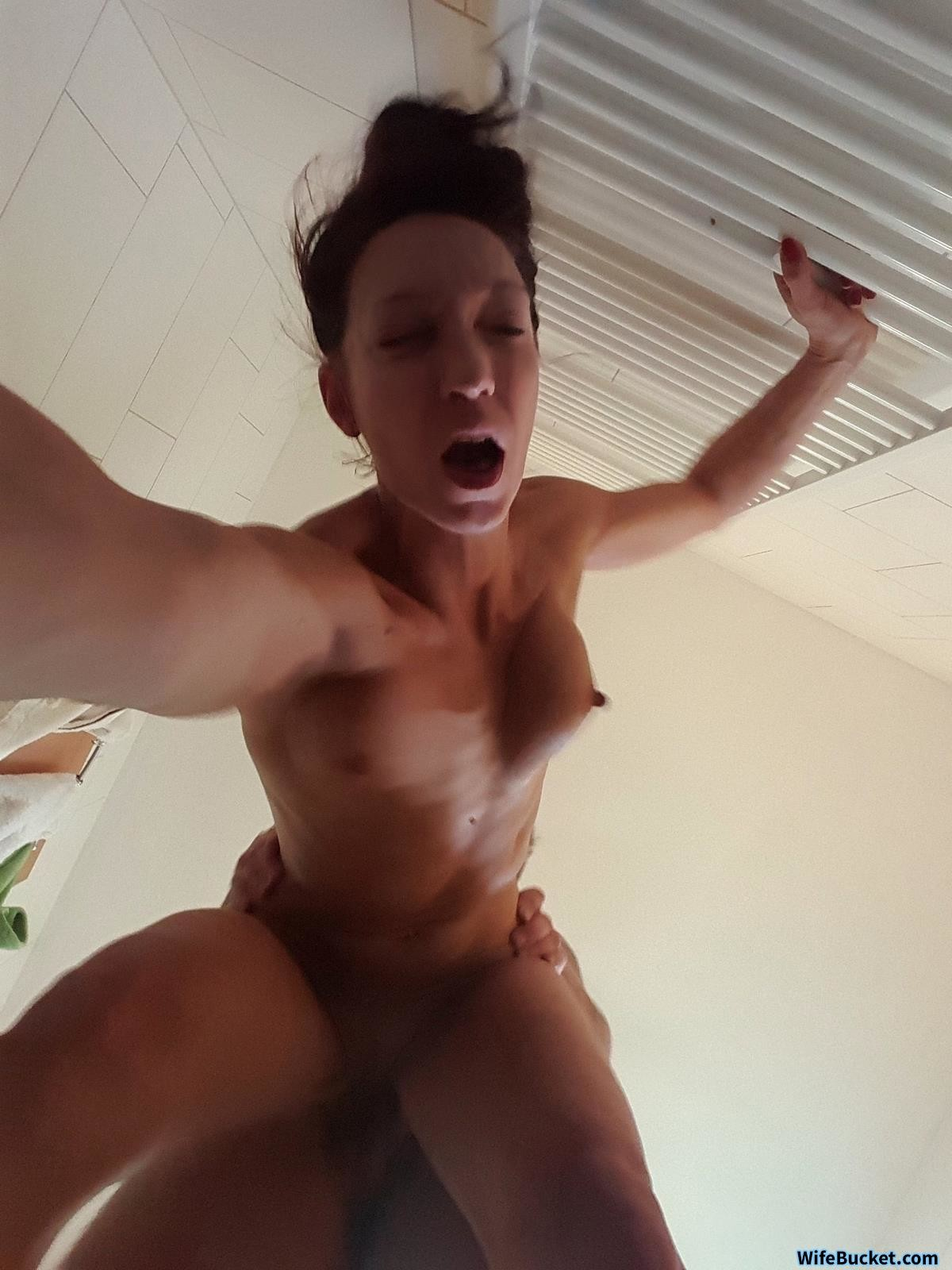 Wifebucket Milf Bimbo Addicted To Sexting-1477